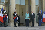 СПУТНИК_Олланд и Меркель подтвердили готовность ЕС продолжать переговоры с Грецией