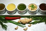 Заправки для салатов: ореховая, медово-горчичная, на травах