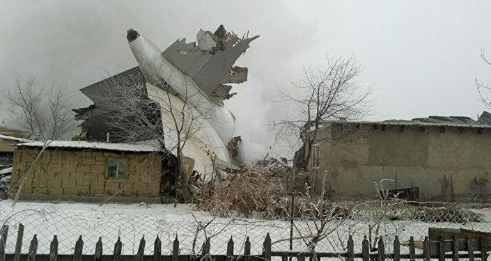 Размещено видео сместа падения самолета под Бишкеком