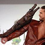 Крокодил и кожаный пиджак - все из шоколада