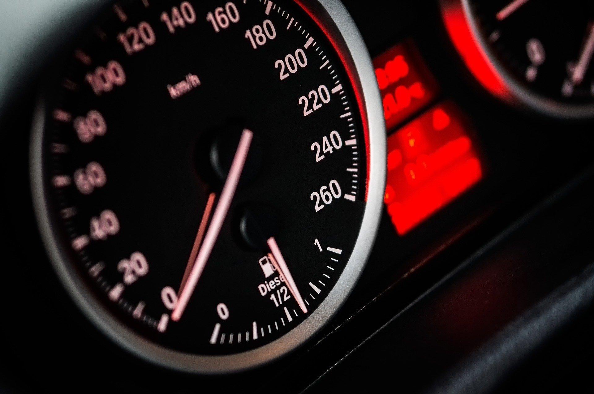 Автомобиль, интегрированный в интернет вещей, считывает ваше расписание и предлагает ездить на работу вдвоем с коллегой - так рациональней