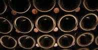 Бутылки с шампанским на складе