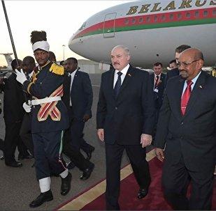 Президент Беларуси Александр Лукашенко и президент Судана Омар Хасан Ахмед аль-Башир, 16 января 2017 года