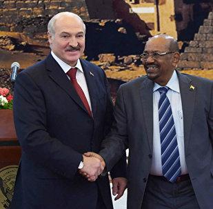 Президент Беларуси Александр Лукашенко и Президент Судана Омар Хасан Ахмед аль-Башир, 17 января 2017 года