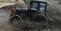 Гонкі на трактарах у Расіі