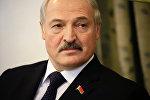 Александр Лукашенко во время визита в Судан