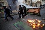 Израильская полиция задерживает демонстрантов во время беспорядков в Назарете