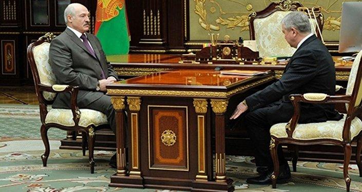 Доклад заместителя Премьер-министра Беларуси Владимира Семашко президенту Беларуси Александру Лукашенко