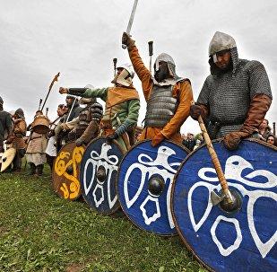 Реконструкция эпохи викингов, архивное фото