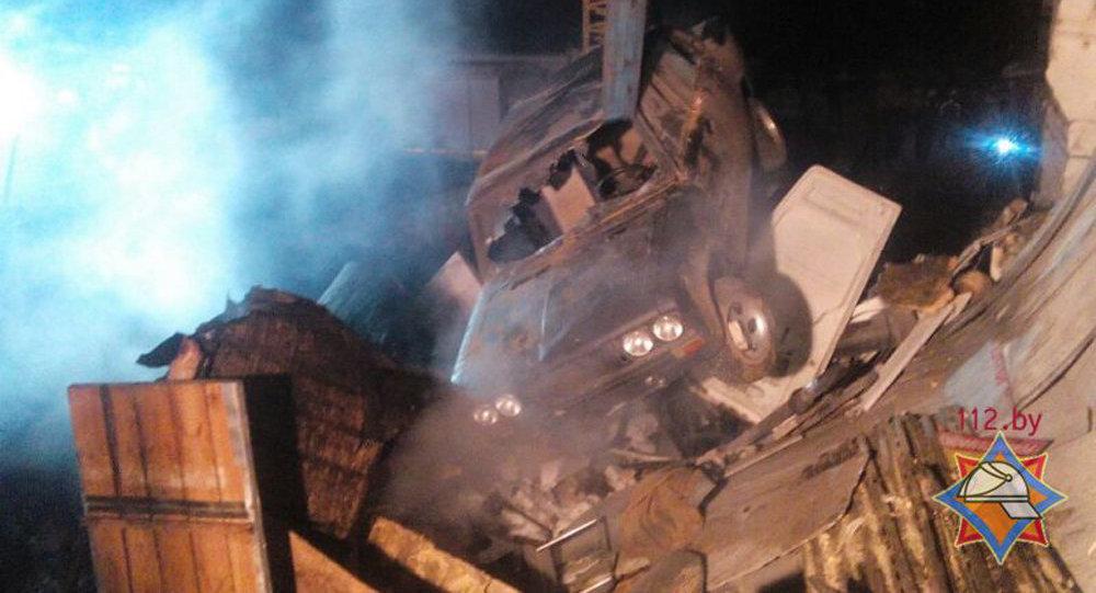 Взрыв вгаражном кооперативе вМачулищах: три человека пострадали, шесть гаражей разрушено