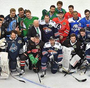 Команда Востока, победившая в мастер-шоу Звезд Континентальной хоккейной лиги в рамках 9-го Матча звезд КХЛ