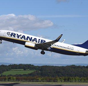 Авиалайнер Ryanair