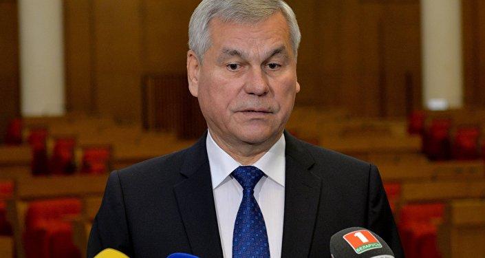 Парламентская делегация Беларуссии софициальным визитом направилась вПольшу