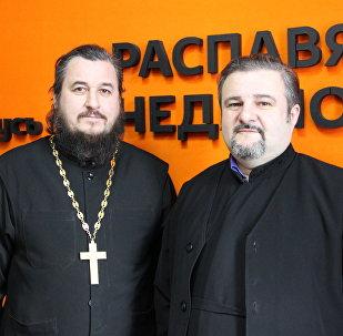 Протодиакон Андрей Скробат и протоиерей Вячеслав Стружко