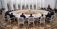 Путин провел встречу с избранными губернаторами субъектов РФ, архивное фото