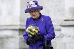 Королева Великобритании Елизавета II в Вестминстерском аббатстве в центре Лондона 24 ноября 2016 года