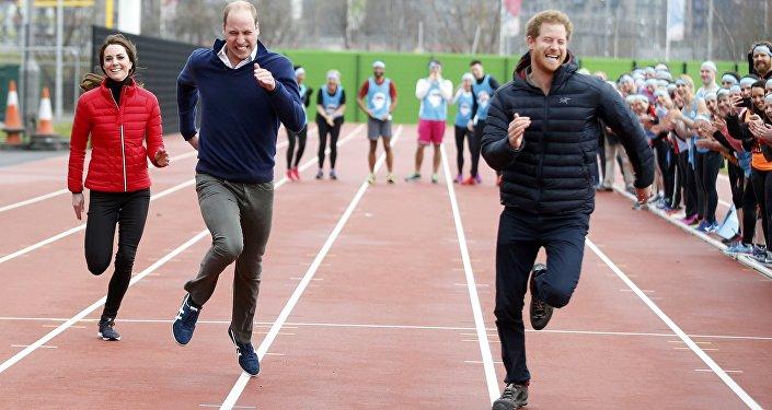 Благотворительный забег в Лондоне с участием принцев Гарри и Уильяма и Кейт Миддлтон