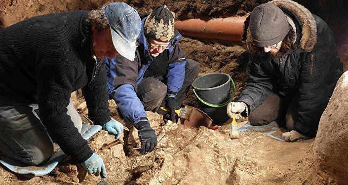 Археологи работают на горе Гедимина