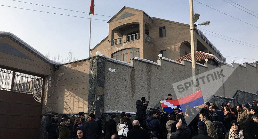 Акция протеста около посольства Республики Беларусь вЕреване
