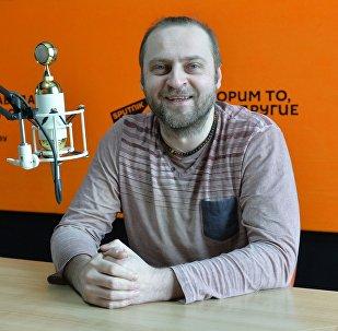 Лідэр гурта J:Mорс Уладзімір Пугач  у студыі радыё Sputnik Беларусь