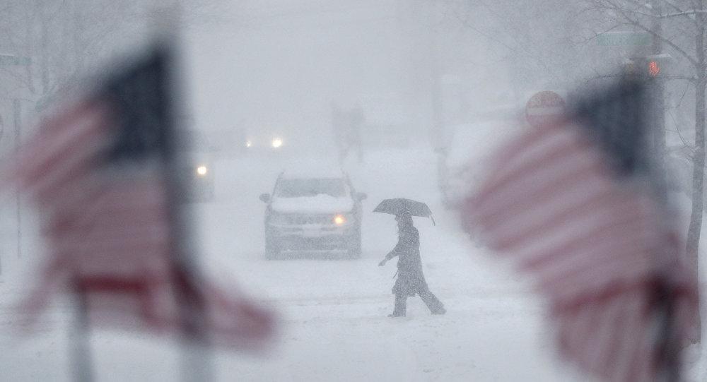 НаНью-Йорк обвалился сильный снегопад