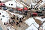 Пожарные машины возле общежития по улице Руссиянова