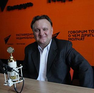 Заслуженный артист Республики Беларусь, художественный руководитель и главный дирижер Президентского оркестра Виктор Бабарикин