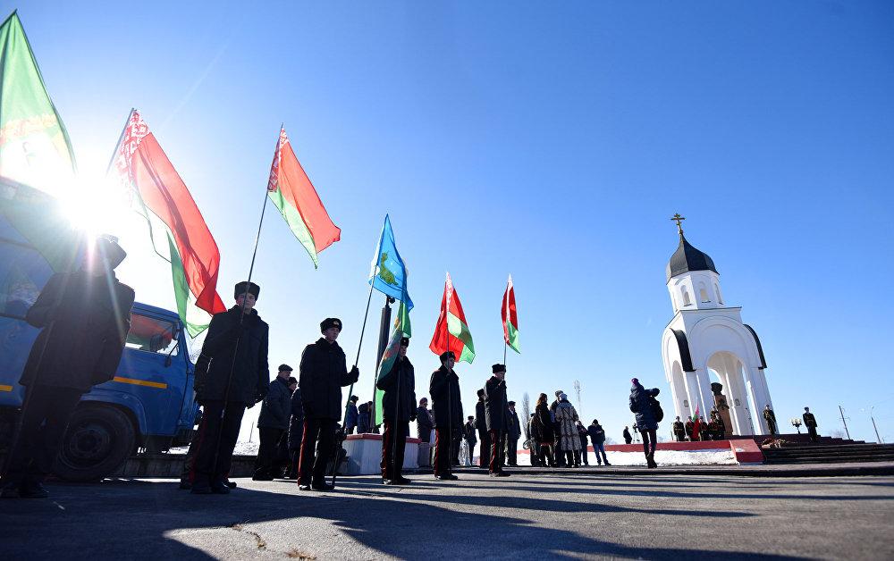 Митинг-реквием состоялся у монумента воинам-интернационалистам в Любенском микрорайоне.