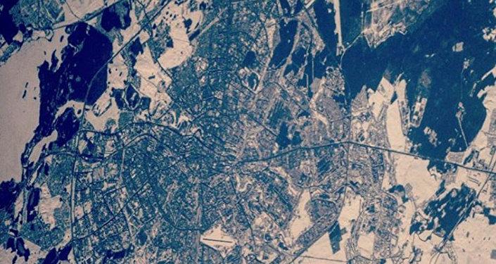 Профессионалы ЦУП скорректируют высоту орбиты МКС на1 километр