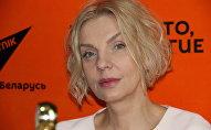 Светлана Стаценко в студии радио Sputnik Беларусь