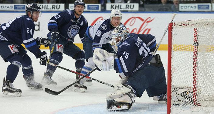 Белорусский спортивный корреспондент съел газету из-за несбывшегося прогноза