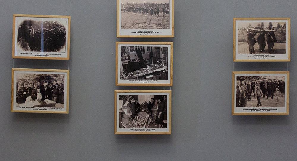 В Бресте выставили посмертные фотографии