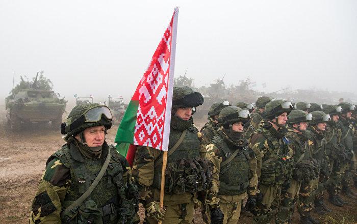 Белорусские десантники прибыли на учения в Псковскую область