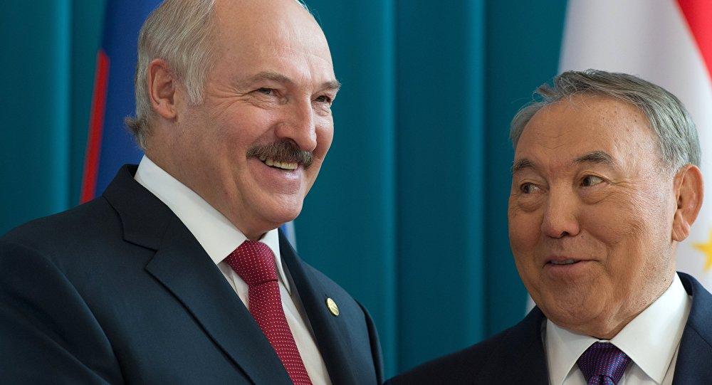 Президенты Белоруссии иКазахстана обсудили втелефонном разговоре ситуацию вЕАЭС