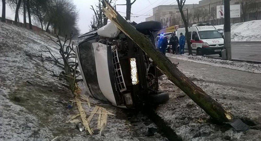 ВМогилеве Опель опрокинул маршрутку спассажирами
