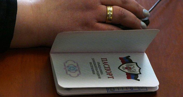 Республика Беларусь открыла двери для беженцев изДонбасса без паспортов