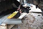 Мужчина, приковавший себя к грузовику, находящемуся на стройплощадке возле Куропат