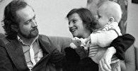 Ольга Корбут и Леонид Борткевич с сыном