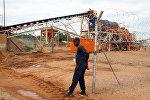 Алмазная шахта в Зимбабве, архивное фото