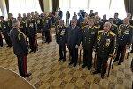 Шуневич вручил генералам медали 100 лет белорусской милиции