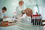Врачи станции переливания крови привезли из Гродно в Скидель все необходимое оборудование, они принимали доноров с 9 до 17 часов.