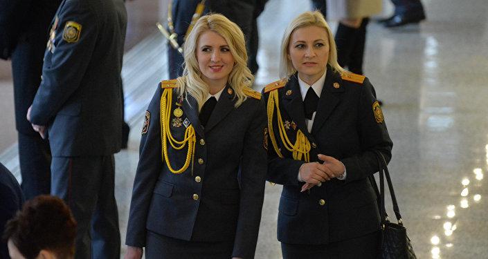 ВМинске прошел праздничный марш подразделений МВД, посвященный 100-летию белорусской милиции