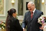 Александр Лукашенко вручил государственные награды