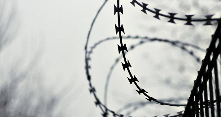 ВМинске считают соответственным двухметровый забор награнице сЛатвией