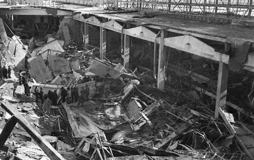 В разборе завалов после взрыва участвовали сотни человек