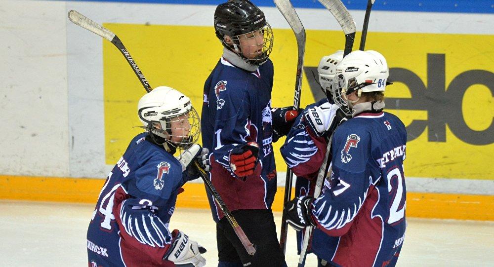 Хоккейная команда Грифоны, в которой играет младший сын президента Беларуси Николай Лукашенко