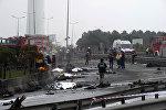 Пять человек погибли в результате катастрофы вертолета, который упал на автодорогу в пригороде Стамбула