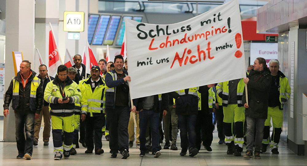 Из-за забастовки диспетчеров вБерлине практически парализовано авиасообщение