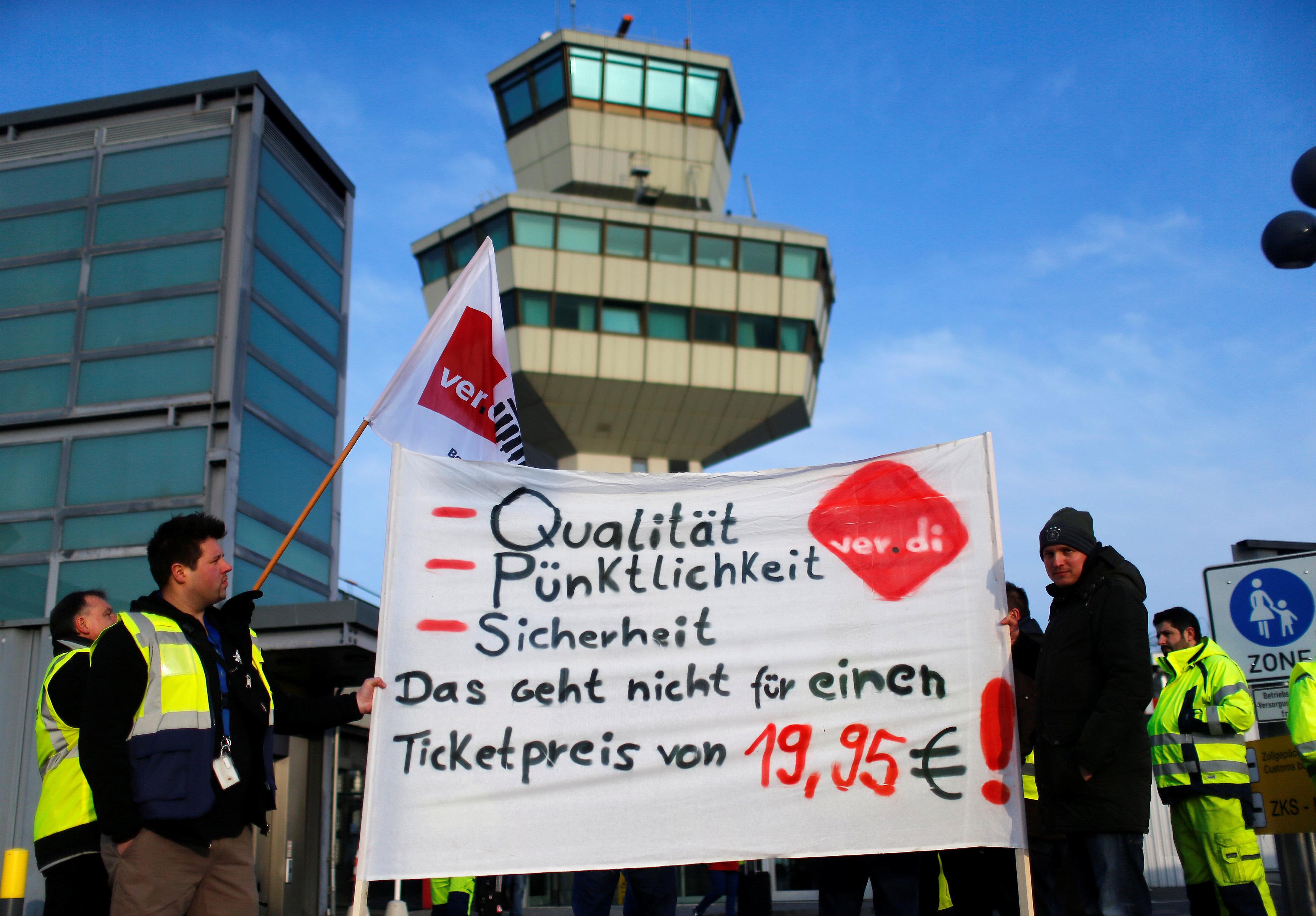 «Аэрофлот» изменил расписание рейсов вБерлин из-за забастовки служащих аэропорта