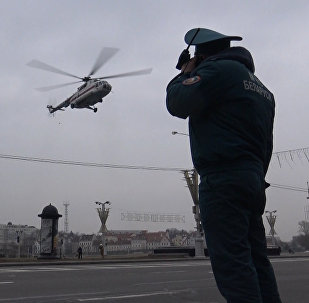 Як выратавальнікі верталётамі эвакуіравалі наведвальнікаў ГЦ Galleria Minsk